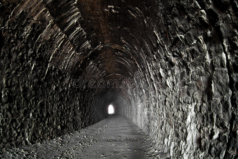 Luz na extremidade do túnel fotografia de stock royalty free