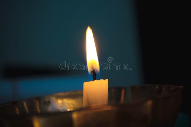 Luz ordinária da vela imagens de stock royalty free