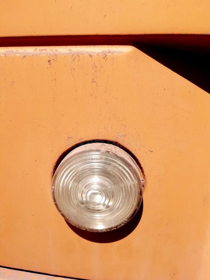 Luz posterior de un autobús escolar foto de archivo