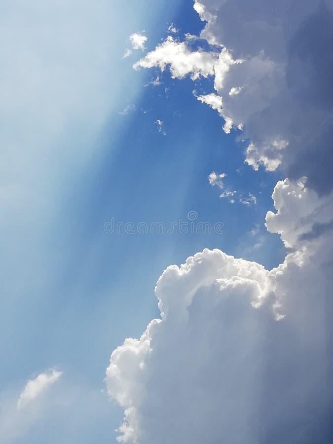Luz solar santamente foto de stock royalty free