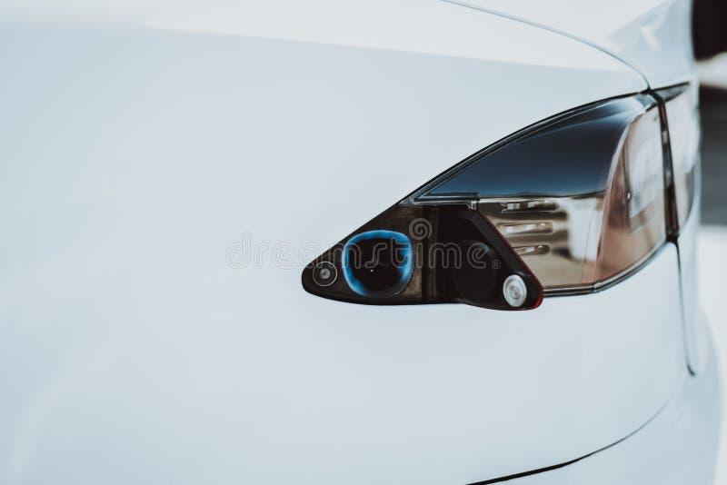 Luz trasera del coche de Tesla Concepto del tanque del automóvil fotos de archivo libres de regalías