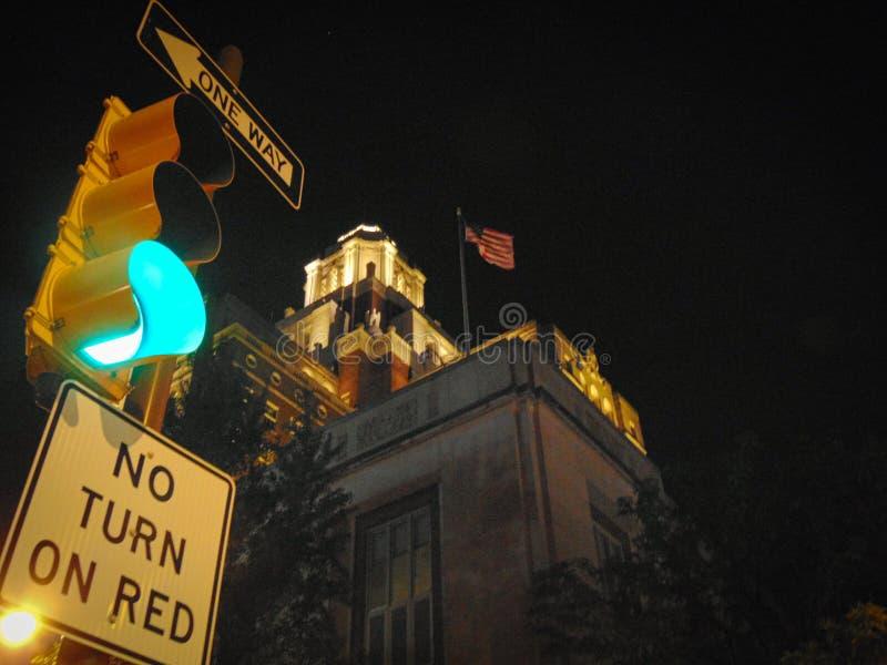 Luz verde na cidade imagem de stock royalty free
