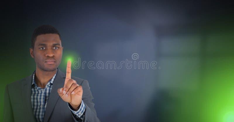 Luz verde tocante da mão fotos de stock