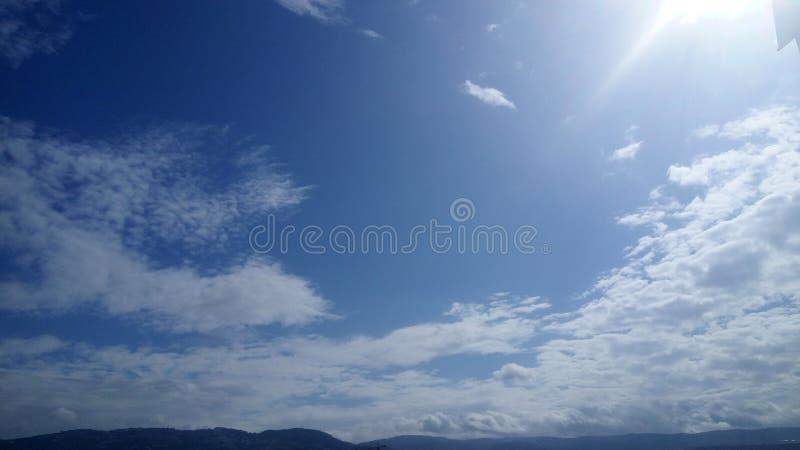 Luz y cielo imagen de archivo