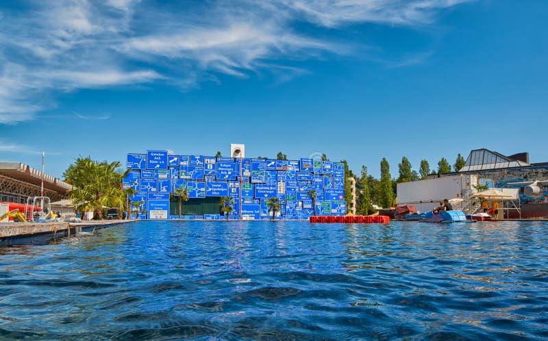 LUZERN, SUÍÇA - 10 de agosto de 2016: Passeio do lago e do barco em Swis imagens de stock