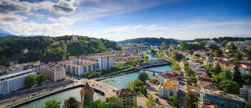 LUZERN, SUÍÇA - 20 DE MAIO DE 2016: Vista panorâmica de Luzern para imagens de stock