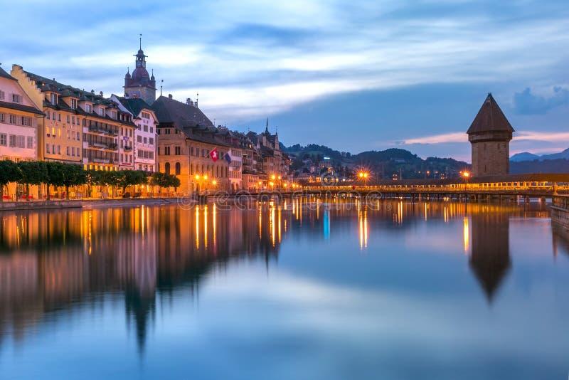 Luzerne au lever de soleil, Suisse photographie stock