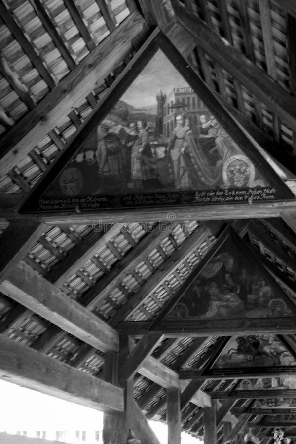 LUZERNE, die SCHWEIZ - März 2017: Innenansicht der Kapellen-Brücke stockfoto