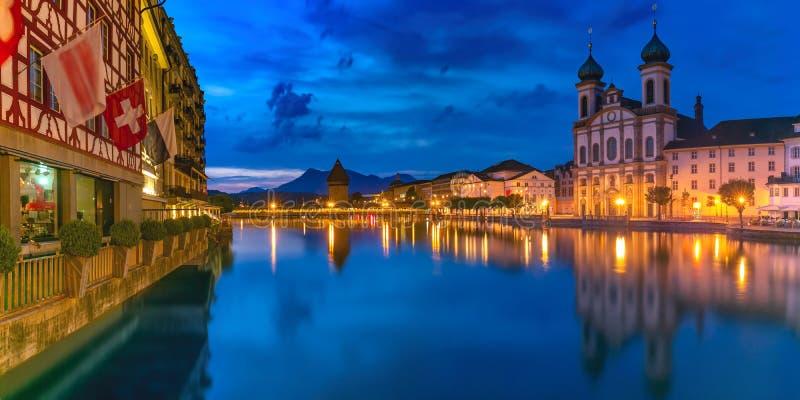 Luzerne la nuit, Suisse photos stock