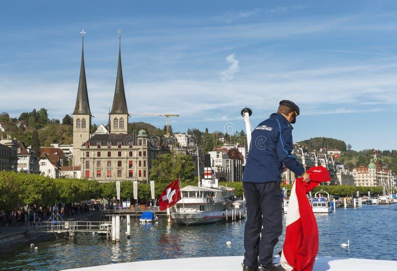 Luzerne-meer op een de lentedag stock fotografie