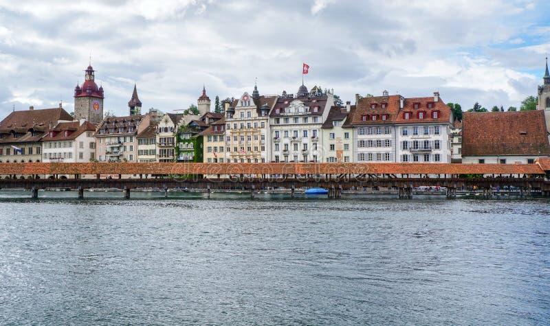 LUZERNE, ZWITSERLAND - JUNI 13, 2016: Hotels en restaurantsalo stock foto's