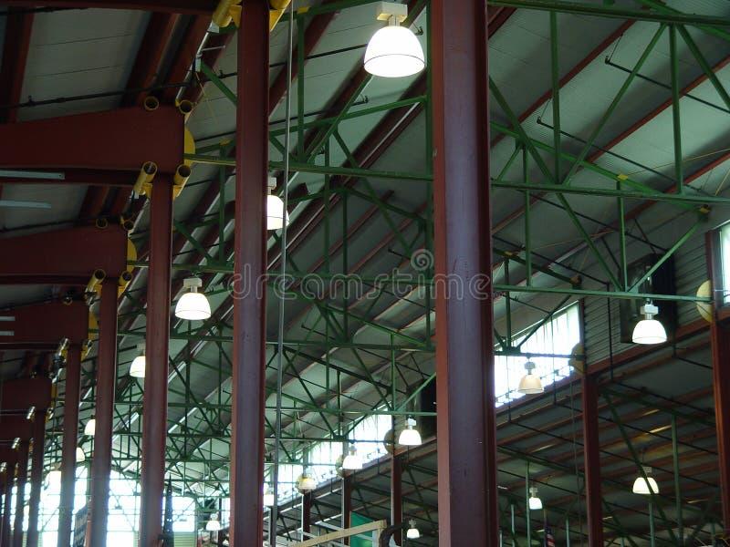 Download Luzes imagem de stock. Imagem de amarelo, verde, rafters - 70645