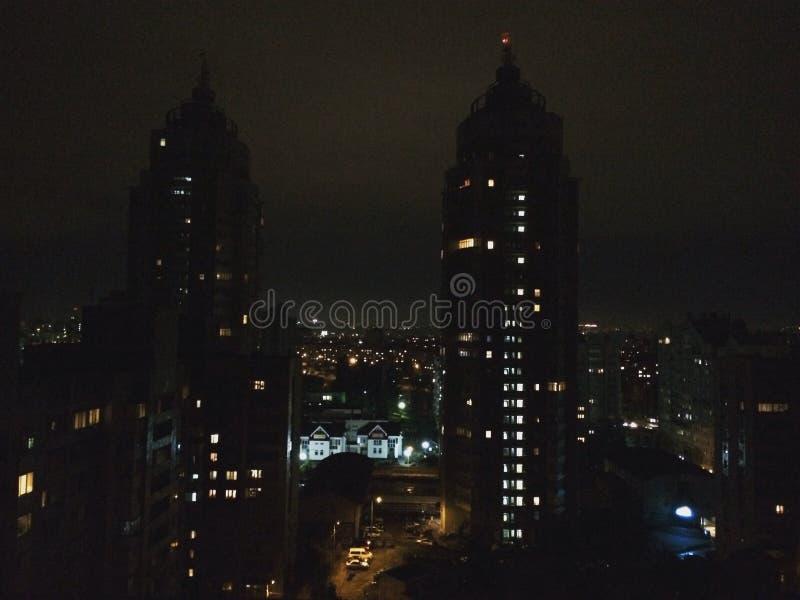 luzes bonitas do beaut de luzes iful das cidades das cidades fotos de stock