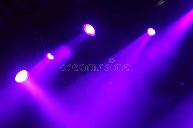 Luzes coloridas em um estágio fotografia de stock