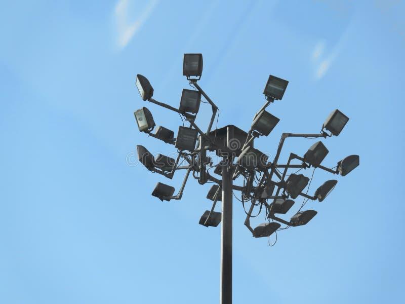 Luzes da segurança no parque de estacionamento fotografia de stock