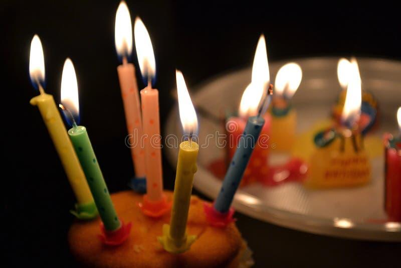 Luzes da vela do aniversário fotos de stock