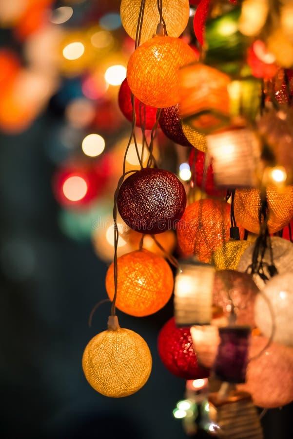 Luzes de Natal de incandescência coloridas fotografia de stock royalty free