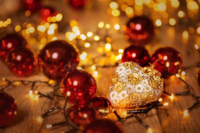 Luzes De Natal, Desdecoração Do Coração De Iluminação Do Xmas, Fundo De Focagem foto de stock royalty free