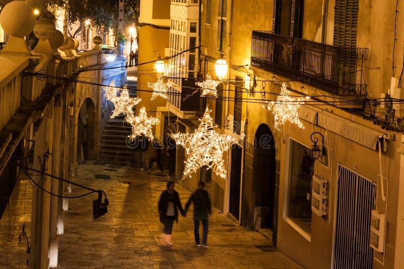 Luzes de Natal na cidade velha de Palma, Majorca, Espanha imagem de stock