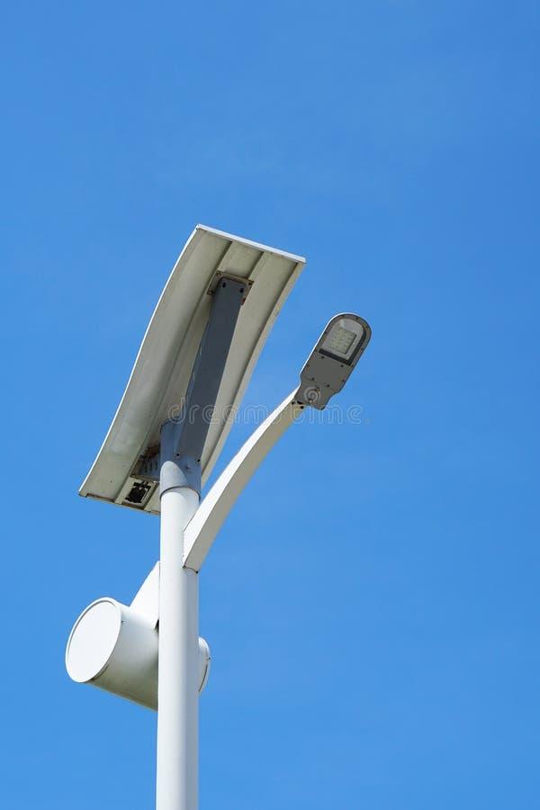 Luzes de rua solares fotos de stock royalty free