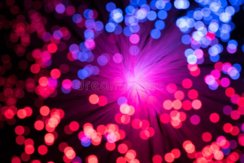 Luzes Defocused azuis e vermelhas imagens de stock royalty free