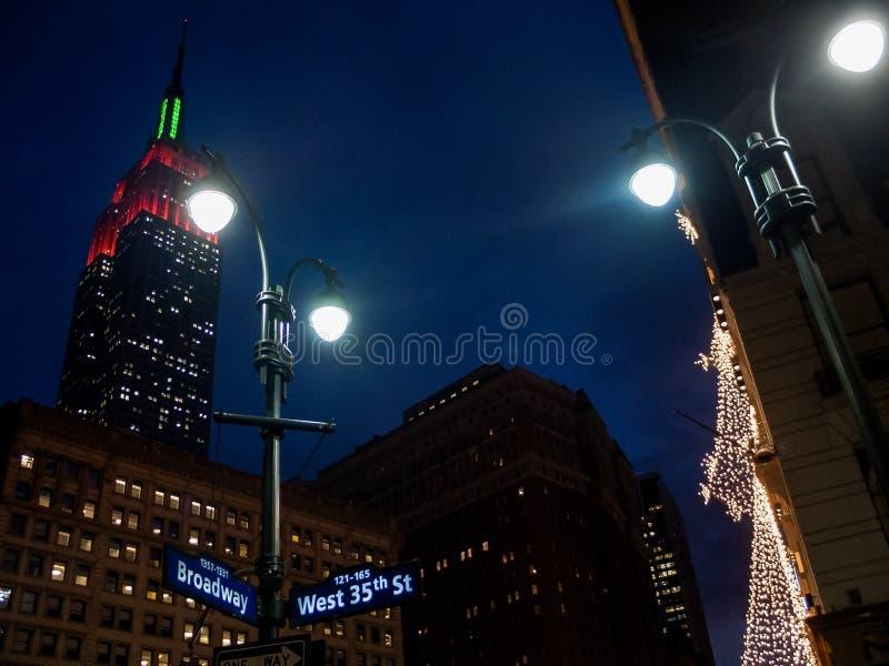 Luzes do feriado em Broadway fotos de stock