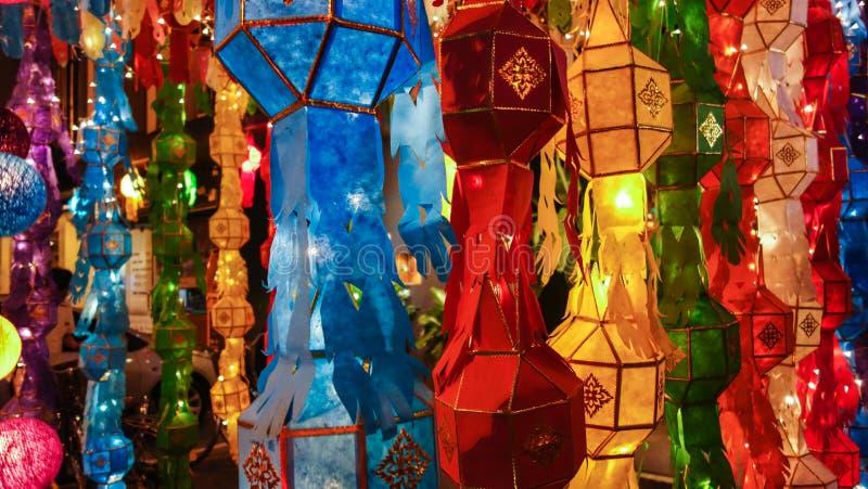 Luzes do festival de Loi Krathong em Tailândia fotografia de stock royalty free