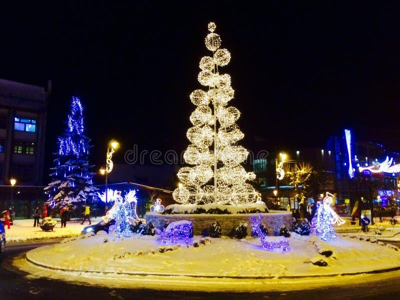 Luzes dos feriados do Natal e de inverno fotografia de stock