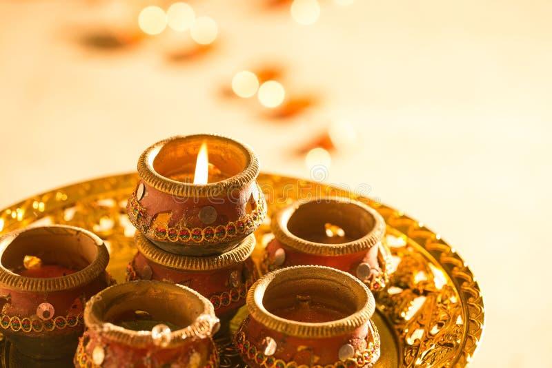 Luzes e diyas de Diwali fotografia de stock royalty free