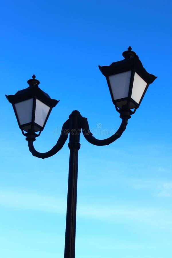 Luzes para a iluminação de rua imagens de stock