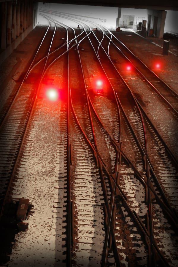 Luzes vermelhas em uma trilha do trem imagens de stock royalty free