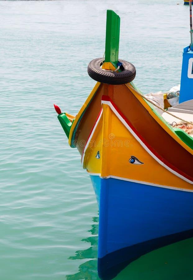 Luzzu, traditionelle gemusterte Fischerboote lizenzfreies stockbild