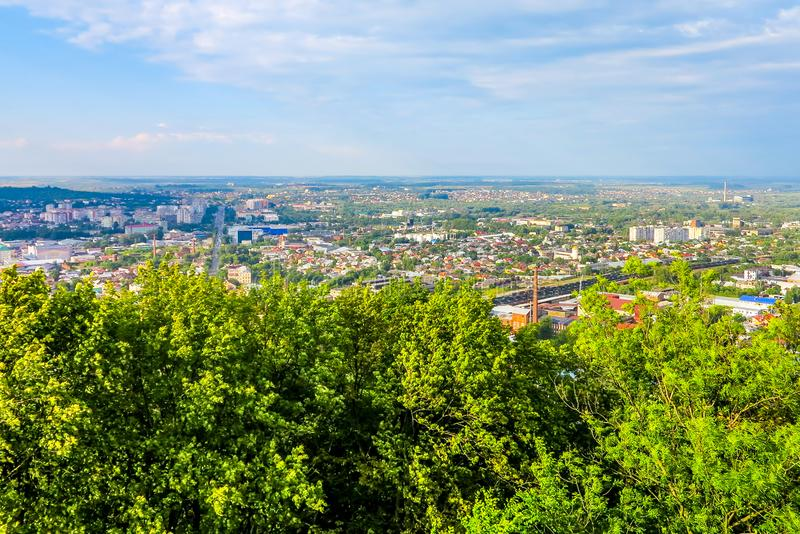 Lviv Cityscapesynvinkel 01 royaltyfri fotografi