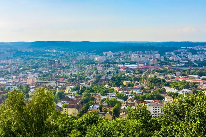 Lviv Cityscapesynvinkel 02 arkivfoto