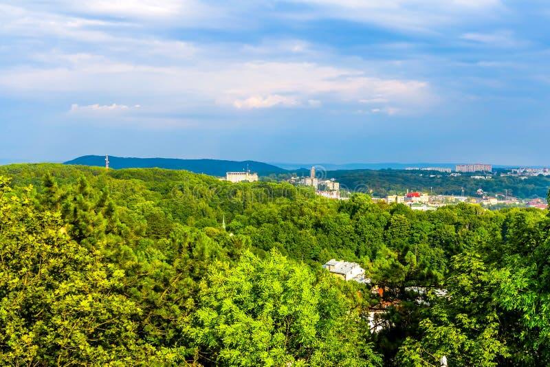 Lviv Cityscapesynvinkel 03 arkivbild
