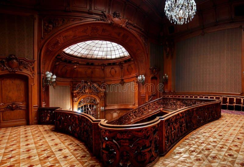 LVIV, de OEKRAÏNE - 16 November, 2015: Huis van Wetenschappers - een vroeger nationaal casino 16 november, 2015 Lviv, de Oekraïne stock foto's
