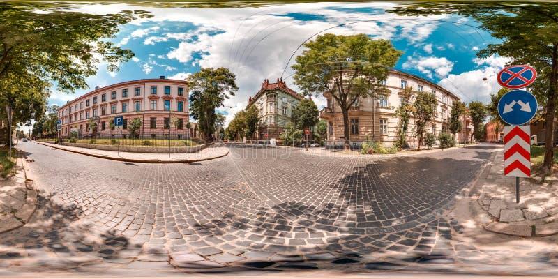 Lviv - sommar, 2018: sfärisk panorama 3D med 360 grad visningvinkel Ordna till för virtuell verklighet i vr Full equirectangular  royaltyfri bild