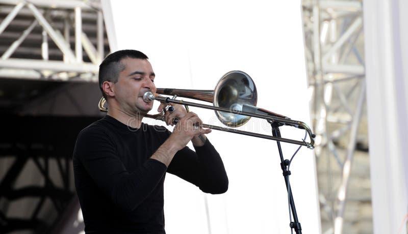 Lviv, Ucrânia - em junho de 2016: Músico 2016 de Jazz Fest do alfa Gianluca fotografia de stock