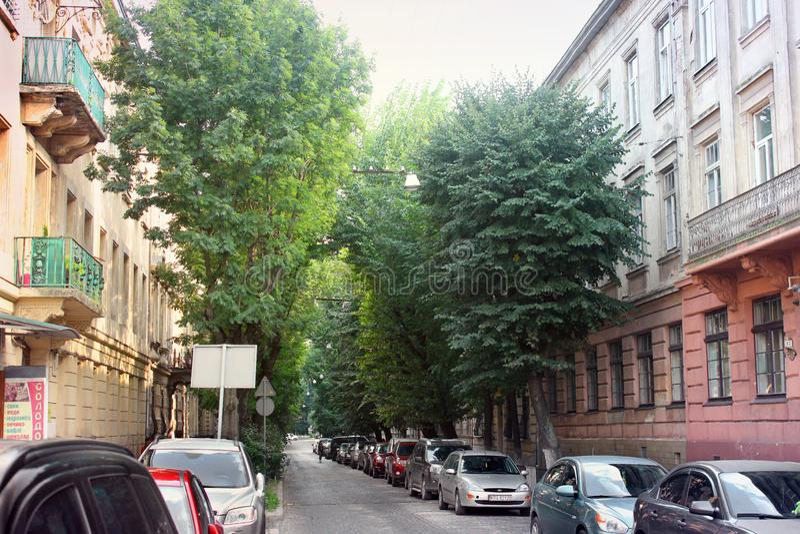 Lviv Ukraina - Augusti 25, 2018: Gata i den forntida staden av Lviv arkivbilder