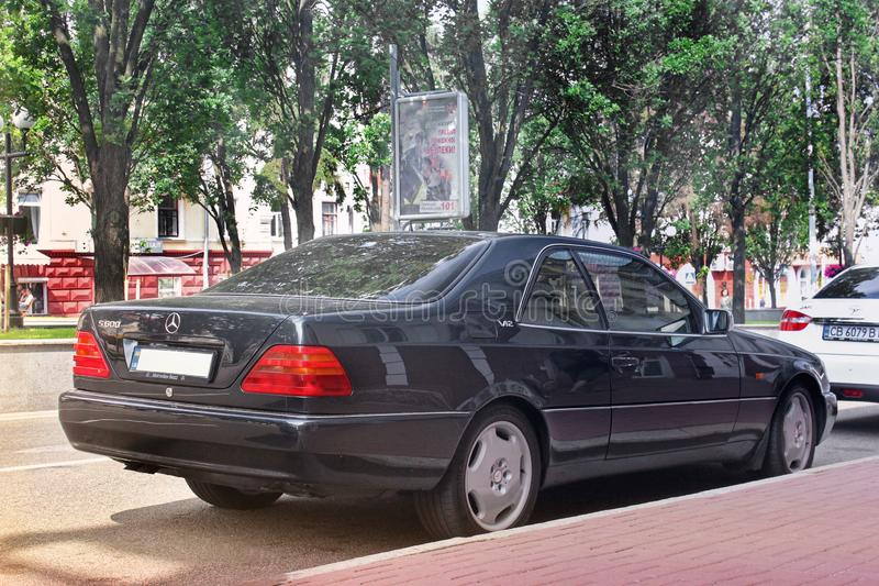 Lviv Ukraina Maj 25, 2011: Mercedes S kup royaltyfria foton