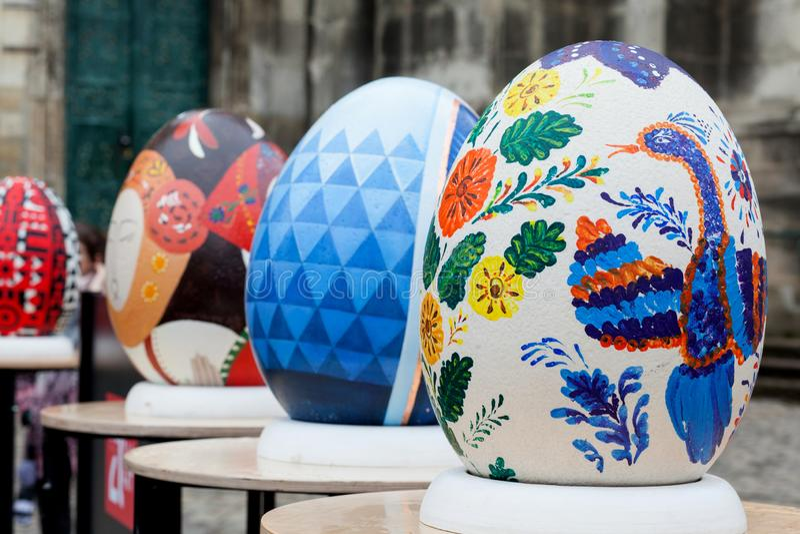 Lviv Ukraina - mars 29, 2018 P?skfestival i Lviv arkivbilder