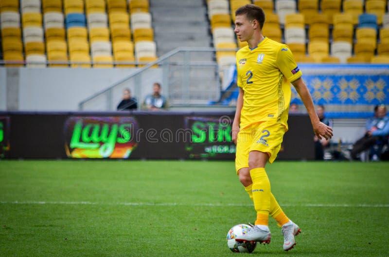 Lviv Ukraina, Sierpień, - 10, 2018: Mykola Matvienko podczas grupy obraz stock