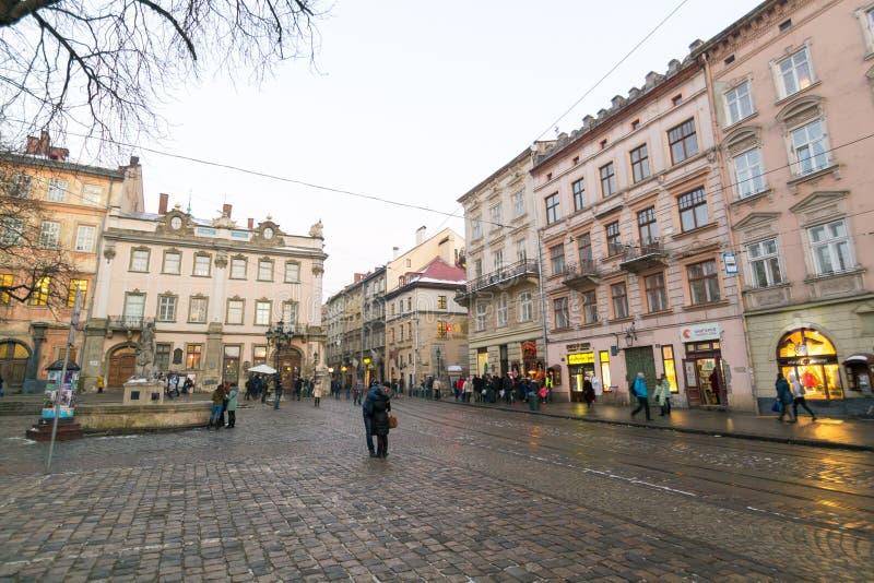 LVIV, UKRAINE - 14 février 2017 : Place du marché central Plosha Rynok à Lviv, Ukraine photo libre de droits