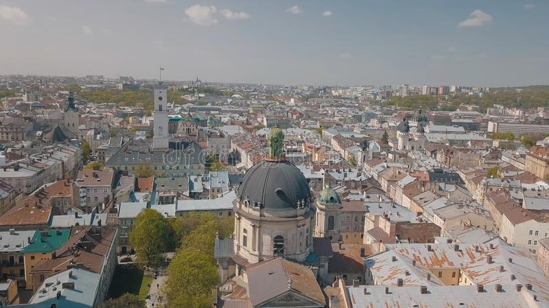 Lvov, Ουκρανία Εναέρια πόλη Lviv, Ουκρανία Πανόραμα της παλαιάς πόλης Δομινικανά στοκ φωτογραφίες