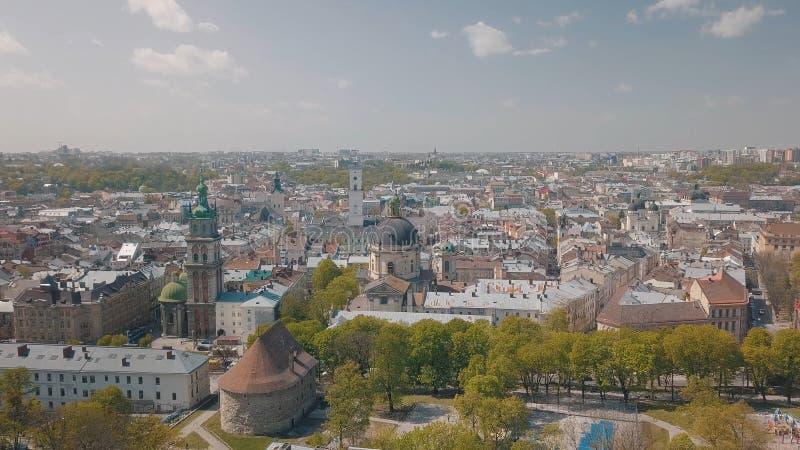 Lvov Ukraina Flyg- stad Lviv, Ukraina gammal panoramatown dominikan arkivfoto