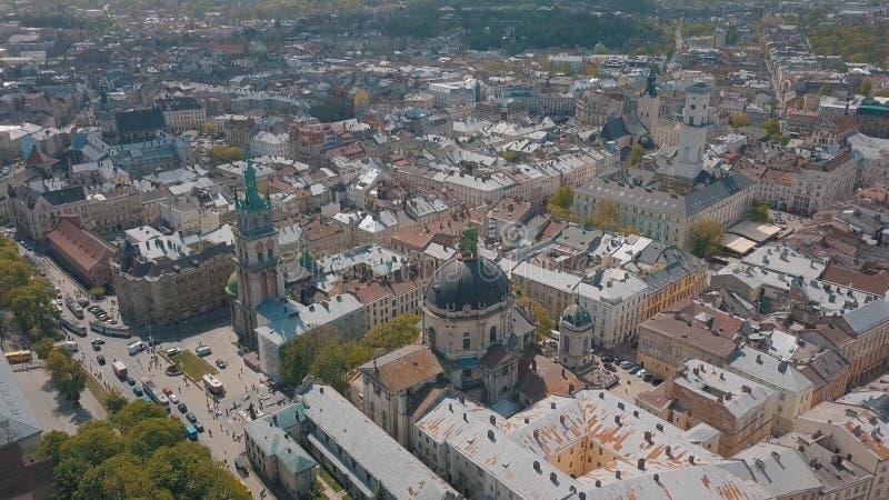 Lvov Ukraina Flyg- stad Lviv, Ukraina gammal panoramatown dominikan arkivfoton