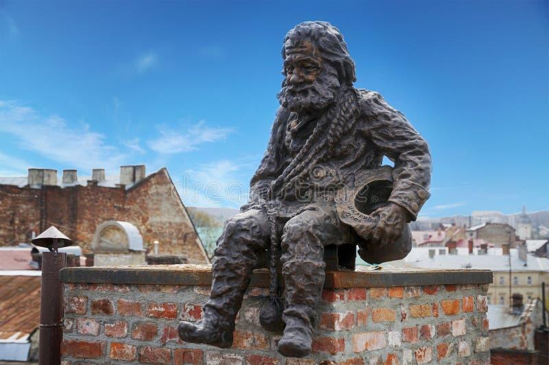 LVOV, UKRAINE - 16 AVRIL 2015 : Sculptez un ramoneur sur image libre de droits