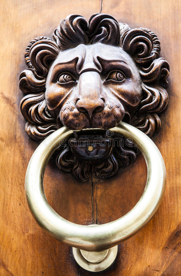 Lwa Kierowniczy Drzwiowy Knocker zdjęcie royalty free