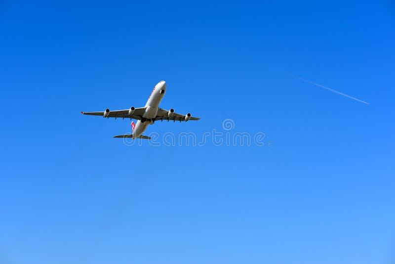 LX188 a decolagem suíça Zurique embarcou à força imagens de stock royalty free