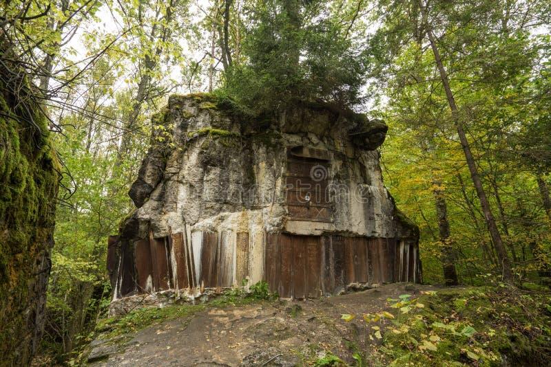 Lya för varg` s, bunker för Adolf Hitler ` s, Polen Första östliga främre militära högkvarter, världskrig II Komplext uppblåst, ö royaltyfria foton